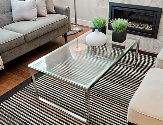 Kleine Wohnung Groß Einrichten Platzsparen Couchtisch Glas