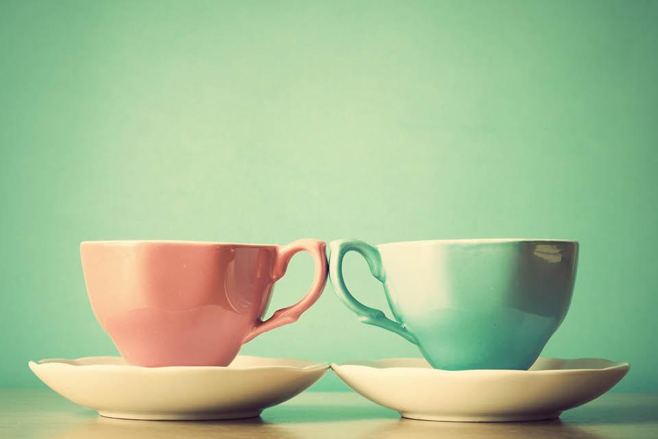 Porzellan-tassen